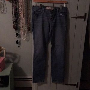 A&F. Skinny jeans size 26